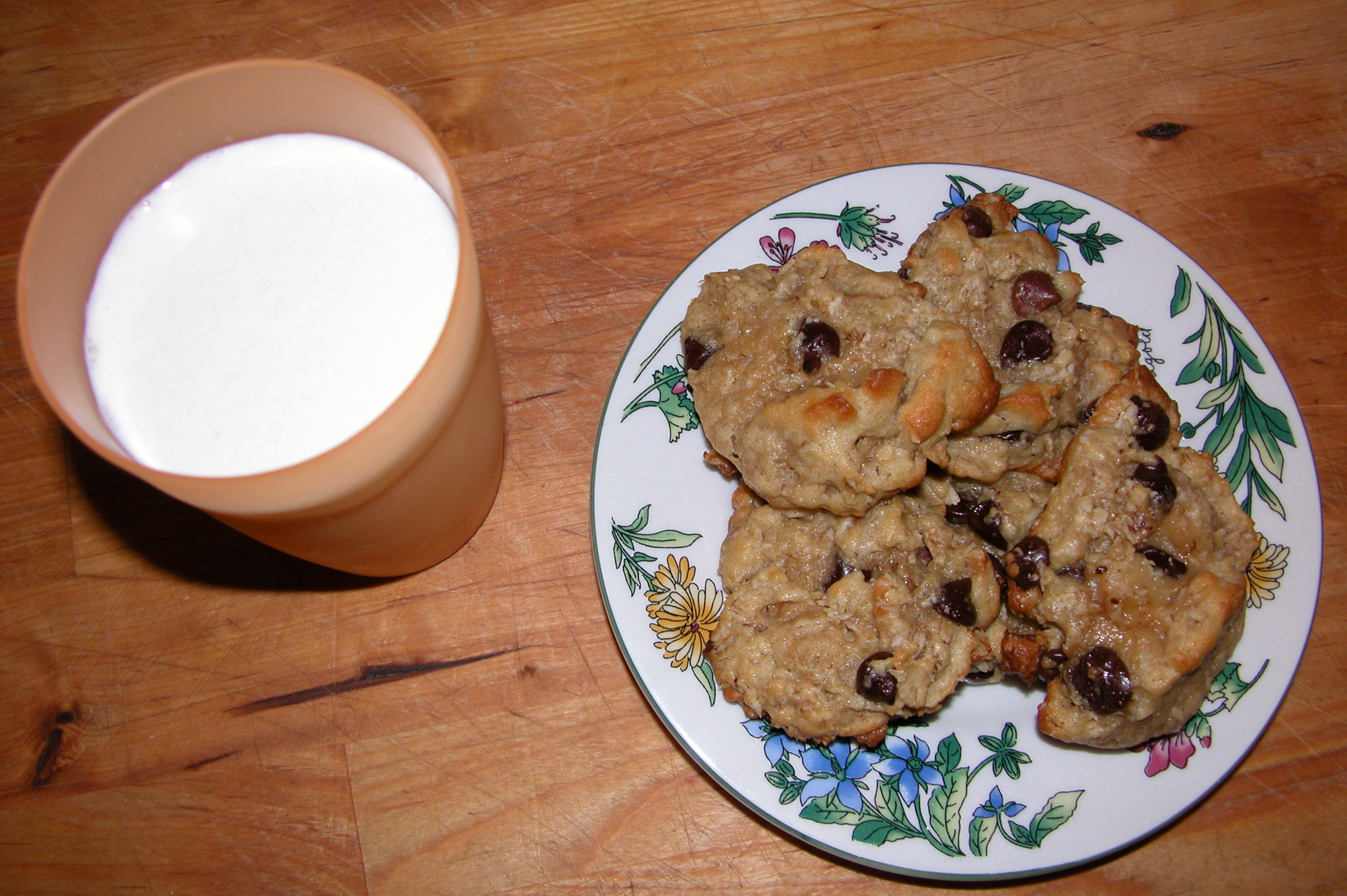 Milk and cookies from milf